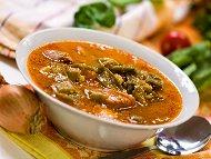 Рецепта Чорба / супа със свински джолан, картофи, зелен фасул (боб), кисело зеле, праз лук и застройка от яйца и прясно мляко